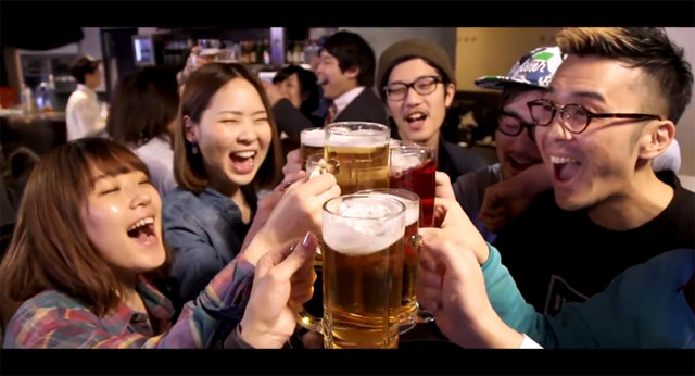 """Pour another round for The Challenge in """"Hana-kin Dance"""" MV"""